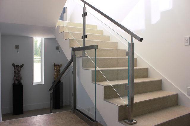 rampe escalier inox carrée